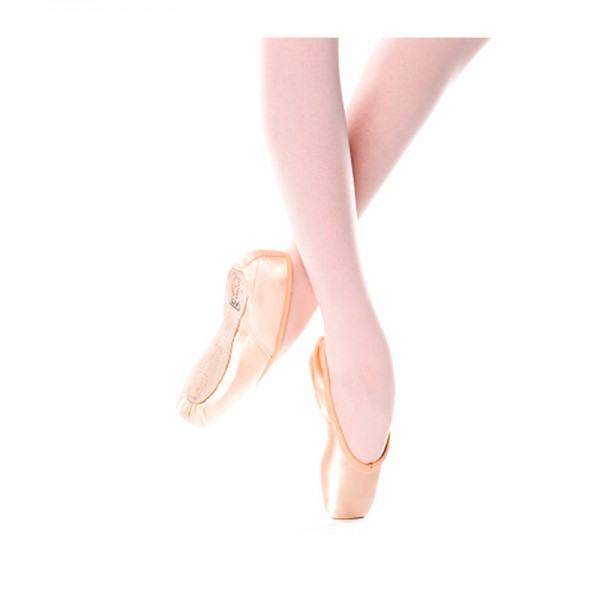 FREED---Classic-Pointe-shoe